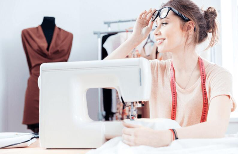 tips for choosing the best sewing machine for cloth designer