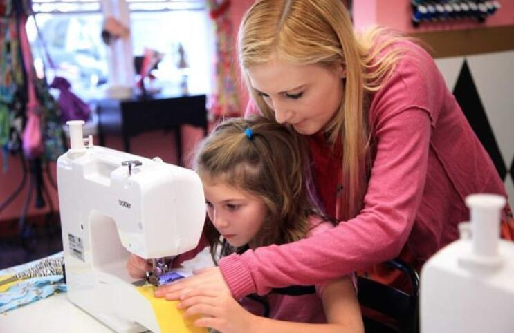 best beginner sewing machine for child review