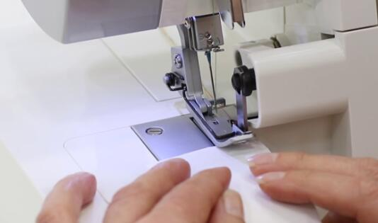 best overlock sewing machine for fabrics